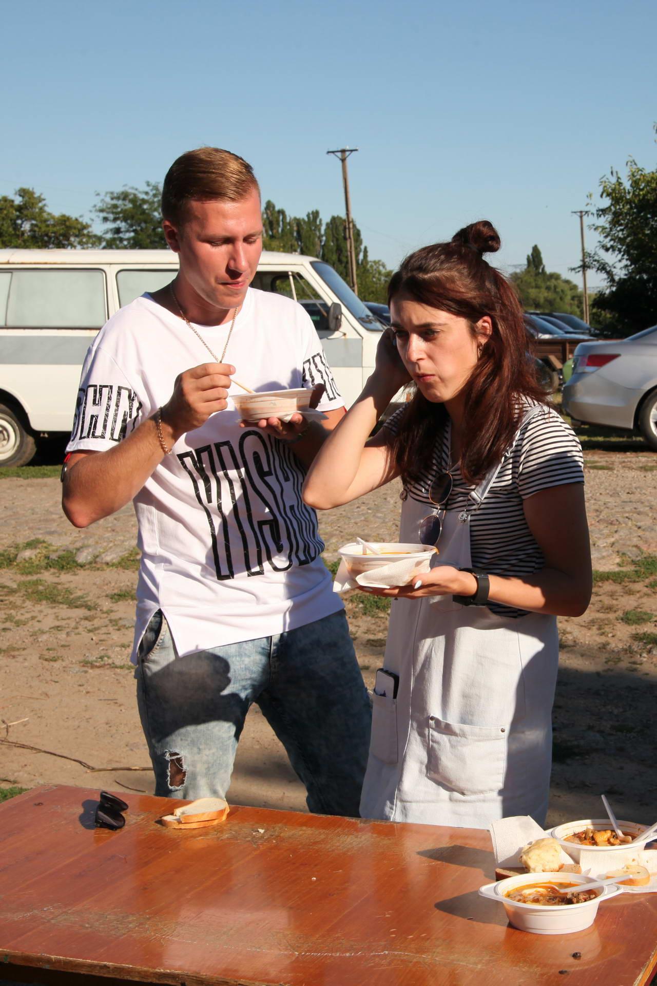 У Марганці годували борщек з пластиком